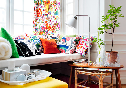White-living-room-colorful-eclectic-throw-pillows