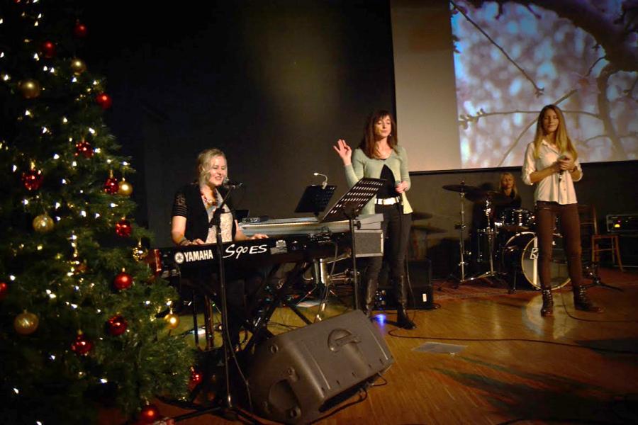 Carol Andreja and Anamarija worship